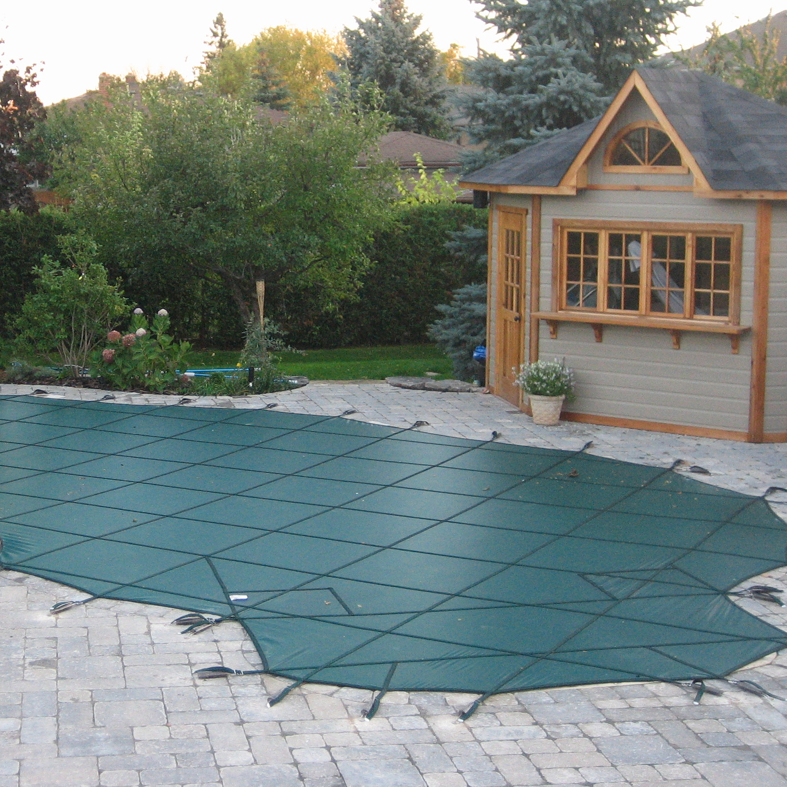 pool-safety-cover